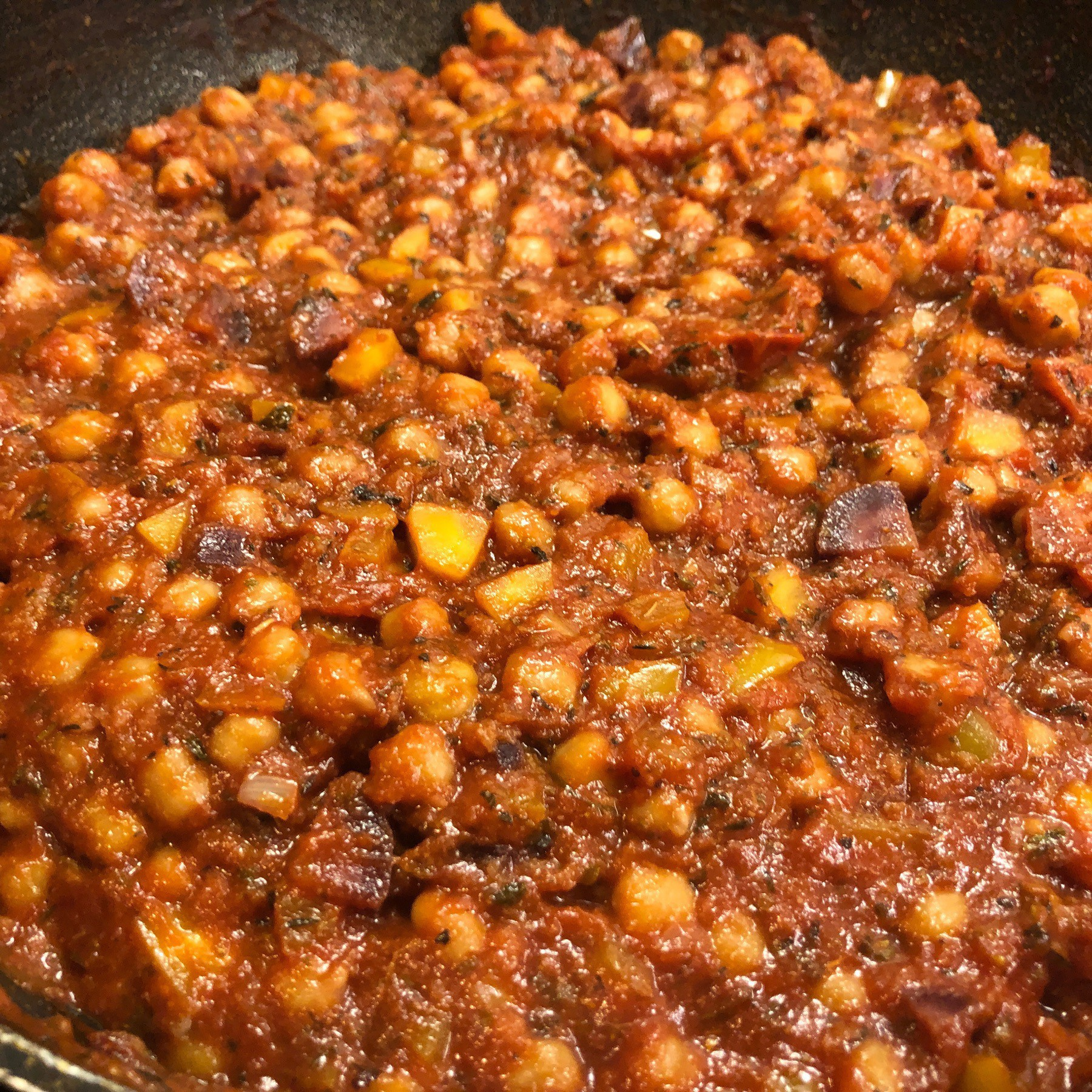 Tomato sauce with chickpeas.